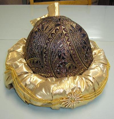 На фотографии представлена сшитая в нашем ателье сувенир-подарок ханская чалма.  Ателье татарского костюма.